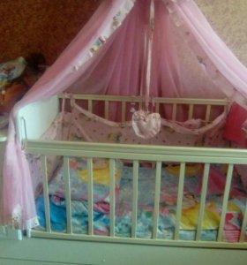 Кроватка в хорошем состоянии