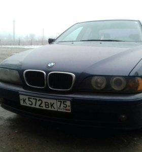 Автомобиль БМВ 5 Е39