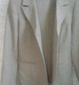 Продам костюм (пиджак,брюки и юбка)