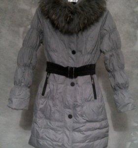 Зимнее пальто на синтепоне с натур. мехом лисы