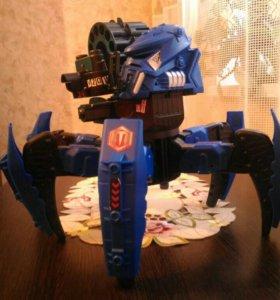 Страйдер-аттакнид. Робот-игрушка.