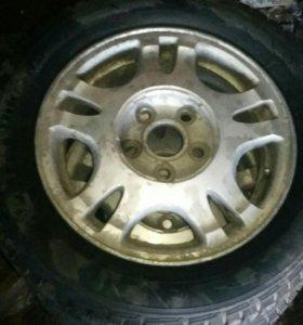 Hankook 185/65/15 диски Toyota