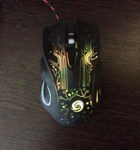 Игровая мышка с подсветкой.