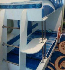 2-х ярусная кровать в виде корабля и шкаф