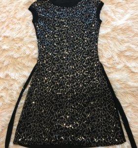 Платье  вечернее с золотыми пайетками