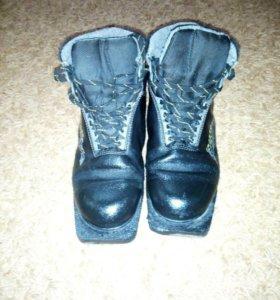 Ботинки для лыж 40 р