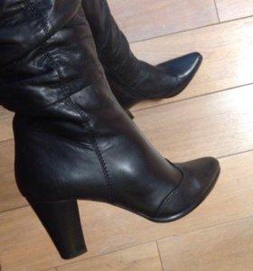Новые кожаные сапоги Villador