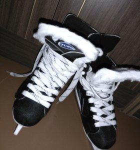 Коньки, мужские, хоккейные. 38/39 размер.