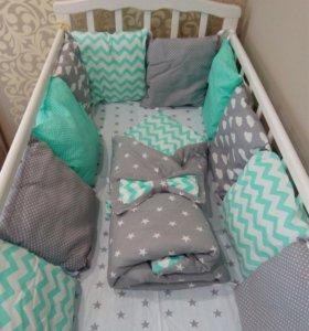 Бортики в кроватку вашему малышу.