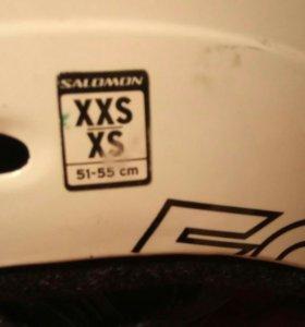 Горнолыжный шлем.
