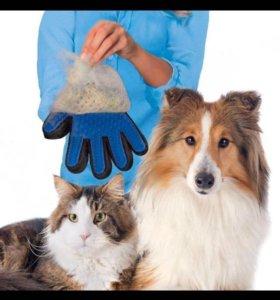 Перчатка для вычёсывания волос