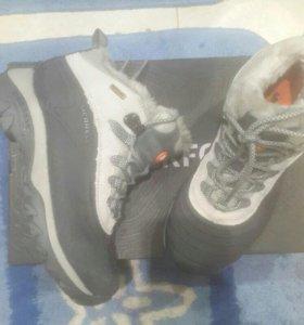 зимние кроссовки Мерел