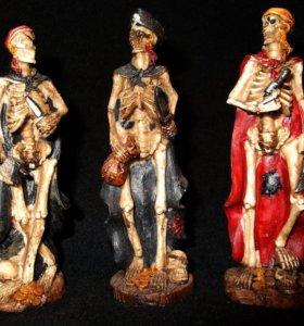 Комплект из 3-х скелетов-пиратов.