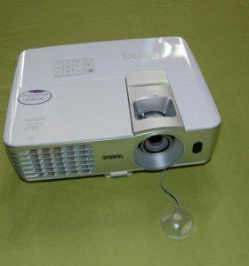 Проектор Benq w1070. Оплата после доставки.