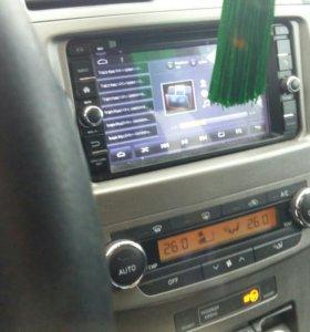 Toyota avensis 2010г