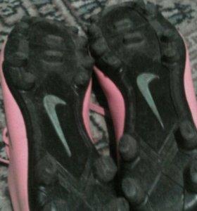 Продам бутсы Nike mercurial