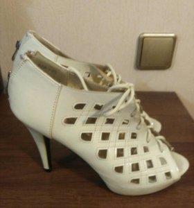 Туфли женские, 40-41 размера