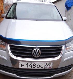 Volkswagen Touran (2008 года)