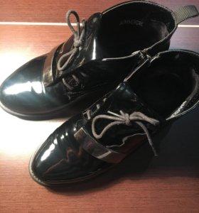 Ботиночки женские лакированные размер 38