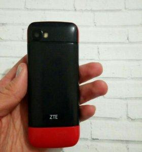 Продаю телефон новый zte