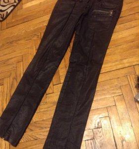 джинсы под кожу
