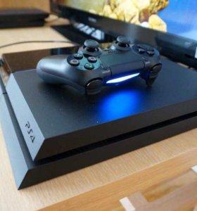 PlayStation 4 500GB+FIFA 15+1 геймпад.