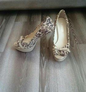 Продам леопардовые туфли