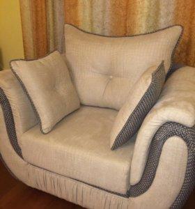 Кресло из кожи и шерсти