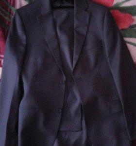 Продам костюм классический