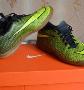 Бутсы для зала Nike bravata II IC, размер 39.5