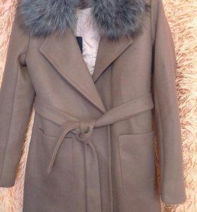 Пальто новое демисезонное.