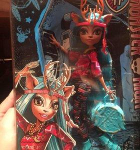 Кукла Monster High Изи ( Иси) Даундэнсер
