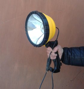 прожектор