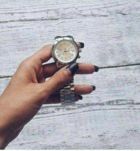 Часы наручные MK
