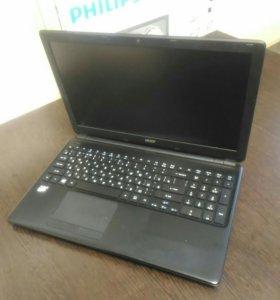 Ноутбук в отличном состоянии ACER Aspire E1-522