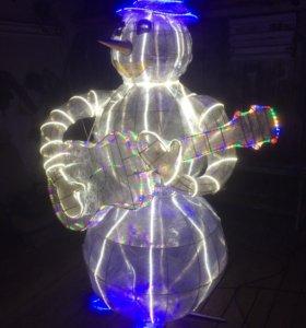 Фигура снеговика из металла