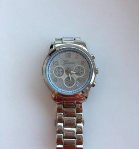 Продам стильные часы GENEVA
