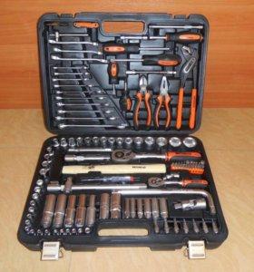 Набор авто инструментов в чемодане