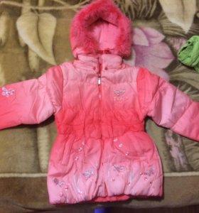 Новая осенняя куртка,на 5-6 лет