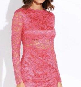 Кружевное платье с открытой спинкой Love Republic