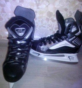 Хоккейные коньки р38