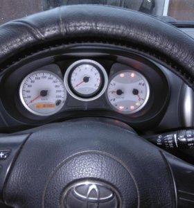 Продам автомобиль Toyota Rav4 2004г