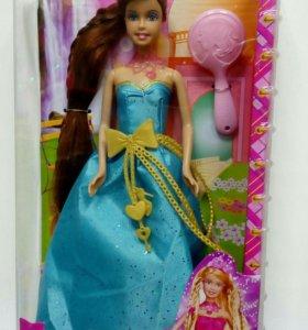 Барби в голубом платье