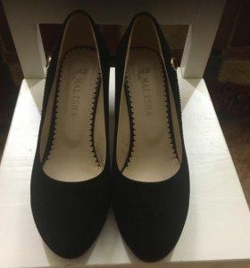 Женские туфли р-р 37