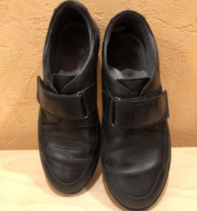 Кожаные туфли Kapika, б/у 34 разм