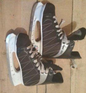 Хоккейные коньки 39 размер