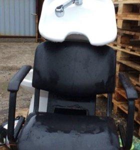 Парикмахерское кресло с мойкой