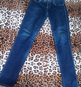 Продам джинсы за каждые 300 рублей