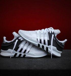 Оригинальные Adidas новые кроссовки