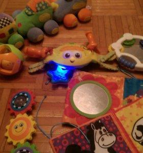 Игрушки малышу пакетом